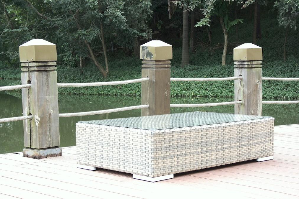gr. Cube Tisch Glas - grau